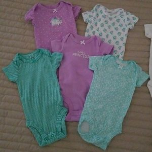 Lot of 5 newborn onesies and one outfit